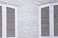Vita fönster Arkivfoton