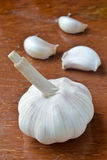 Vita garlics. Arkivbilder