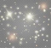 Vita gnistor och guld- stjärnor blänker special ljus effekt Magi mousserar på genomskinlig bakgrund vektor illustrationer