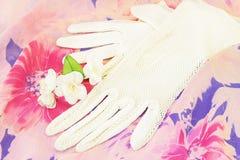 vita handskar Royaltyfri Foto