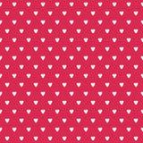 Vita hjärtor för gullig sömlös bakgrund på rött vektor illustrationer