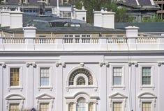Vita Huset en sikt av privata fjärdedelar, Washington, DC Royaltyfri Bild