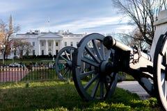 Vita Huset på en blåsig dag arkivfoton