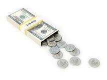 vita isolerade pengar USA för bakgrundsask dollar Arkivfoto