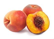 vita isolerade saftiga persikor Arkivfoton