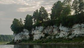 vita klippor Arkivfoton