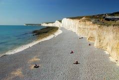Vita klippor av det Beachy huvudet, södra England, UK Royaltyfri Foto