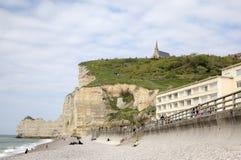 Vita klippor av Etretat france Royaltyfri Foto