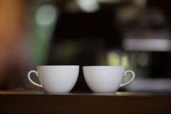 Vita kopp kaffevänner Arkivbild