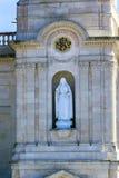 Vita Mary Statue Basilica av damen av radbandet Fatima Portugal Royaltyfri Fotografi