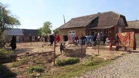 Vita nel Transcarpathia dell'Ucraina di stabilimento di Roma stock footage