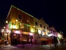 Vita notturna della barra del tempiale a Dublino Fotografie Stock Libere da Diritti