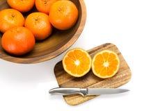 vita nya isolerade apelsiner Arkivfoto
