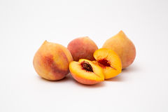 vita nya isolerade persikor Royaltyfri Bild