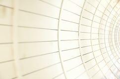 Vita paneler i tunnelen, abstrakt texturbakgrund Arkivfoton