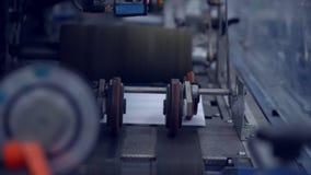 Vita post- kuvert stänger sig upp lager videofilmer