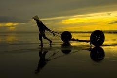 Vita quotidiana dei pescatori del Vietnam Fotografia Stock