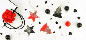 vita röda stjärnor för abstrakt för bakgrundsjul mörk för garnering modell för design idérik abstrakt sammansättning av xmas-garn Royaltyfria Bilder