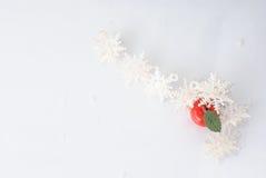 vita röda stjärnor för abstrakt för bakgrundsjul mörk för garnering modell för design Royaltyfri Foto