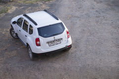 Vita Renault Duster Arkivfoton