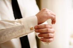 Vita skjorta och cufflinks Arkivbild