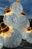 Vita stora bollar för julgran Royaltyfria Bilder