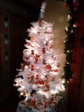 Vita Teddy Bear Christmas Tree Royaltyfri Fotografi
