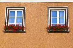 Vita träfönster Royaltyfri Fotografi