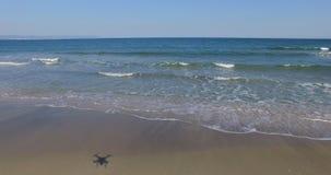 Vita vågor av Blacket Sea i Bulgarien Arkivfoton