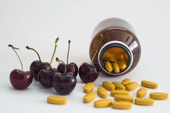 Vitamin C und Kirsche Lizenzfreies Stockbild