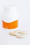 Vitamin Cflaschen- und -medizintabletten lizenzfreie stockfotos