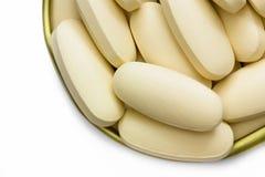 Vitamin- Cpillen lokalisiert auf weißem Hintergrund Lizenzfreie Stockbilder