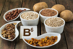 Vitamina B6 dos ingredientes imagens de stock royalty free