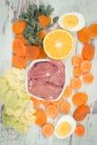 Vitamina A que contiene de la consumición nutritiva, nutrición sana como minerales de la fuente Imagen de archivo