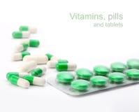 Vitaminas, comprimidos e tabuletas Foto de Stock