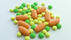 Vitamine, supplementi, primo piano stock footage