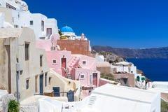 Arkitektur av den Oia byn på den Santorini ön Royaltyfri Bild