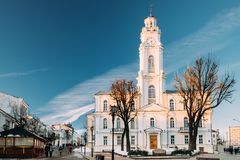 Vitebsk, Bielorr?ssia Vista da cidade velha Hall In Winter Sunny Day Marco famoso fotos de stock royalty free