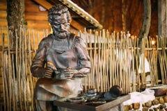 Vitebsk, Wit-Rusland Het beeldhouwwerk van Heilige Crispino is Katholieke Patroon Royalty-vrije Stock Foto
