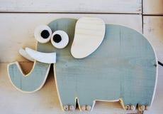 Vitello dell'elefante, giocattolo di legno Immagine Stock