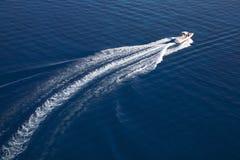 vitesse élevée de la Mer Rouge de canot automobile Image libre de droits