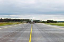 Vitesse de piste d'aéroport de bande de texture de route goudronnée Photo libre de droits