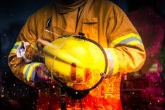 Vitesse de sécurité de pompier à la voie de course Sécurité de secours Protection, délivrance du danger photographie stock