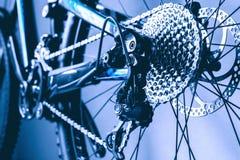 Vitesse de vélo de montagne de roue arrière de vue Photo stock