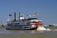 Vitesse normale de bateau de rivière de Natchez Photographie stock