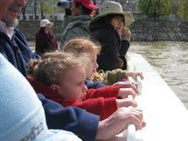Vitesse normale Paris de rivière de Mouches de Bateaux Photo libre de droits