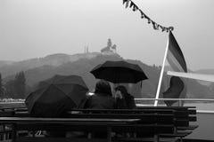 Vitesse normale pluvieuse du Rhin de fleuve Photographie stock libre de droits