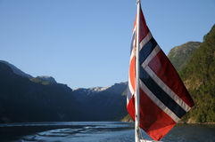 Vitesse normale sur Hardangerfjord, Norvège Photos libres de droits