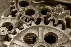 Vitesses rouillées de vieux mécanisme industriel, plan rapproché photo libre de droits