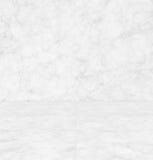 Vitgrå färger marmorerar textur (för perspektiv), den detaljerade strukturen av marmor i naturligt mönstrat för bakgrund och desi Royaltyfri Foto
